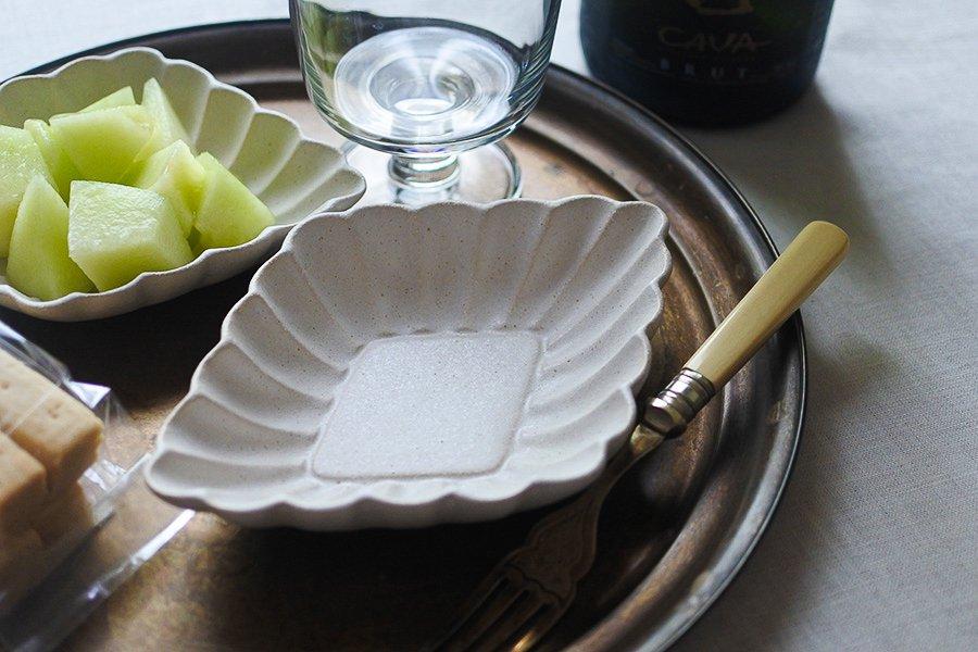 ホワイト 花菱深皿