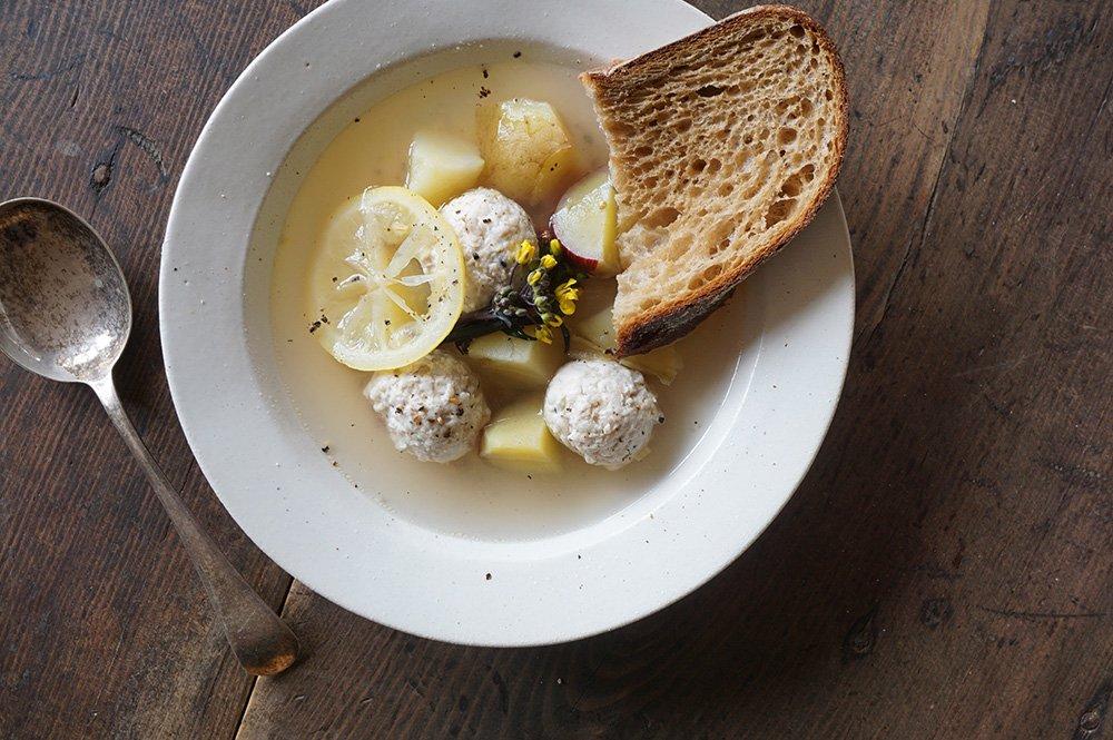 白いスープ皿
