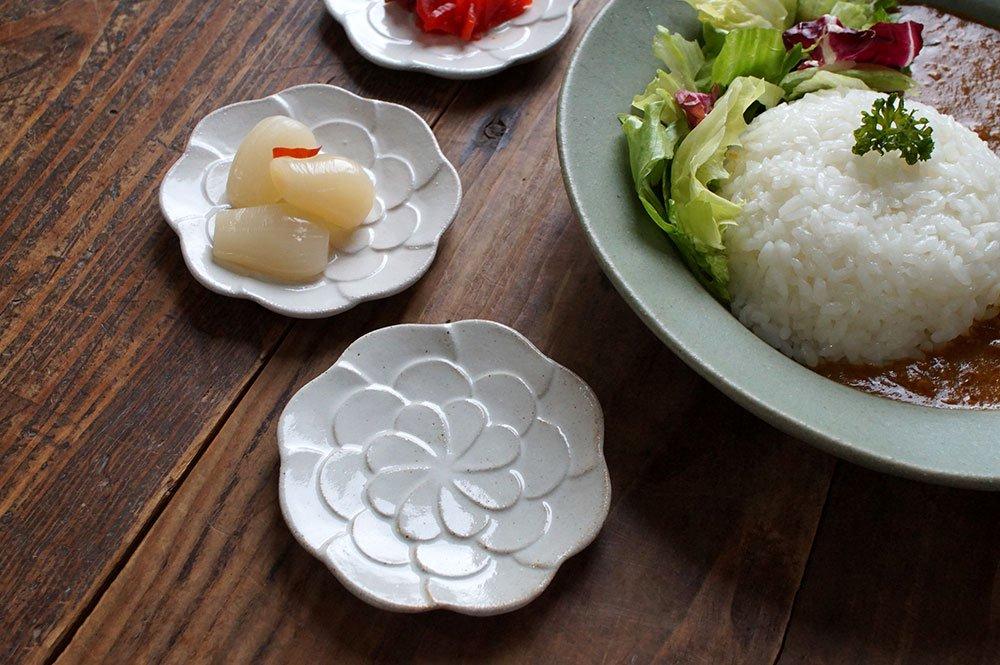 白いコサージュの豆皿