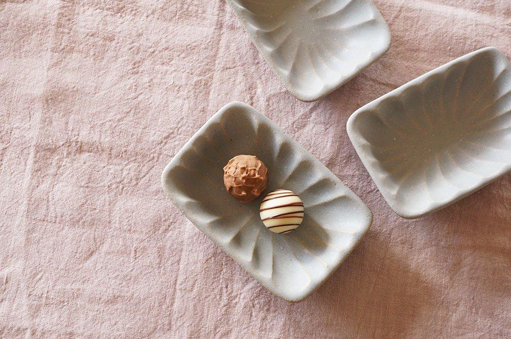 グレー お菓子型の器チェコのチョコ