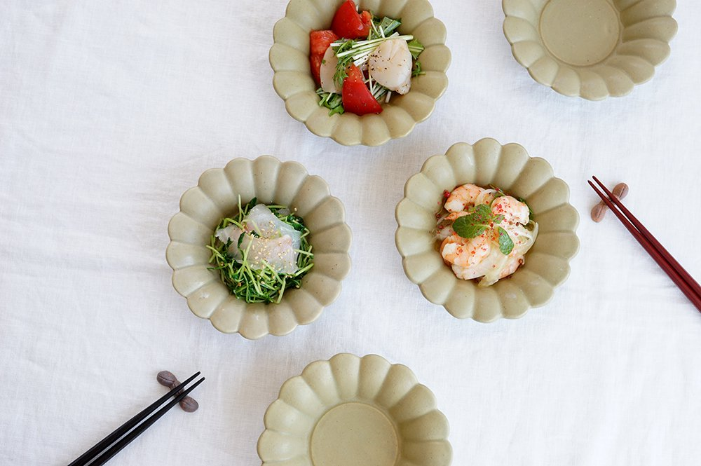 ピスタチオ マーガレット浅鉢