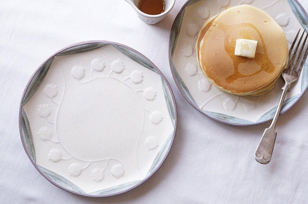 スズランの絵皿