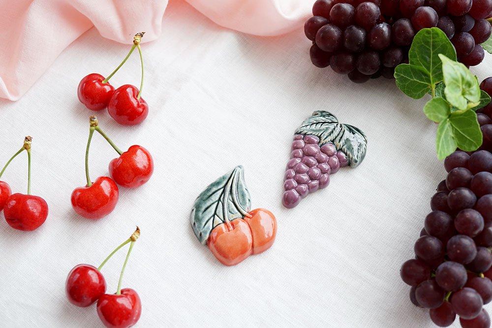 さくらんぼとブドウのカトラリーレストセット