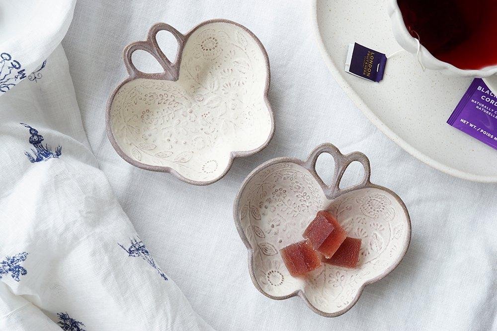 蝶々のブローチ皿a