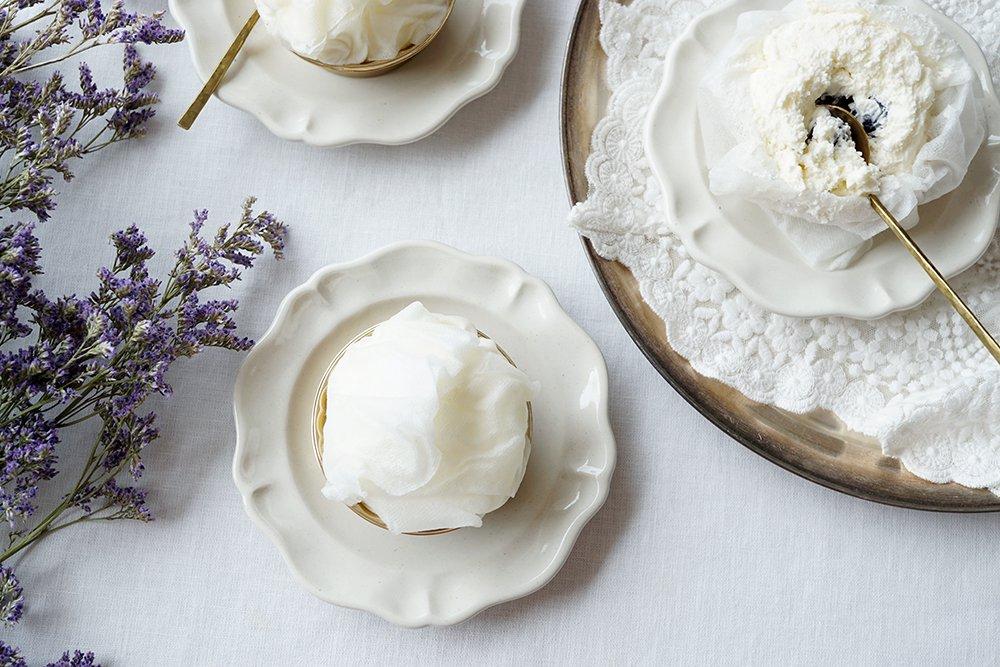 白い洋まる小皿