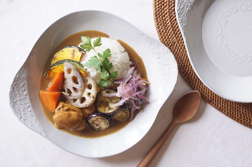 ホワイトグレー シルバーモチーフ スープ皿