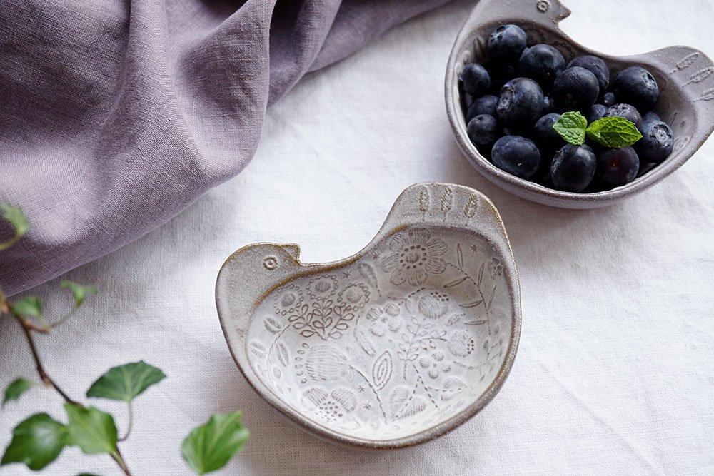 刺繍模様の小鳥鉢
