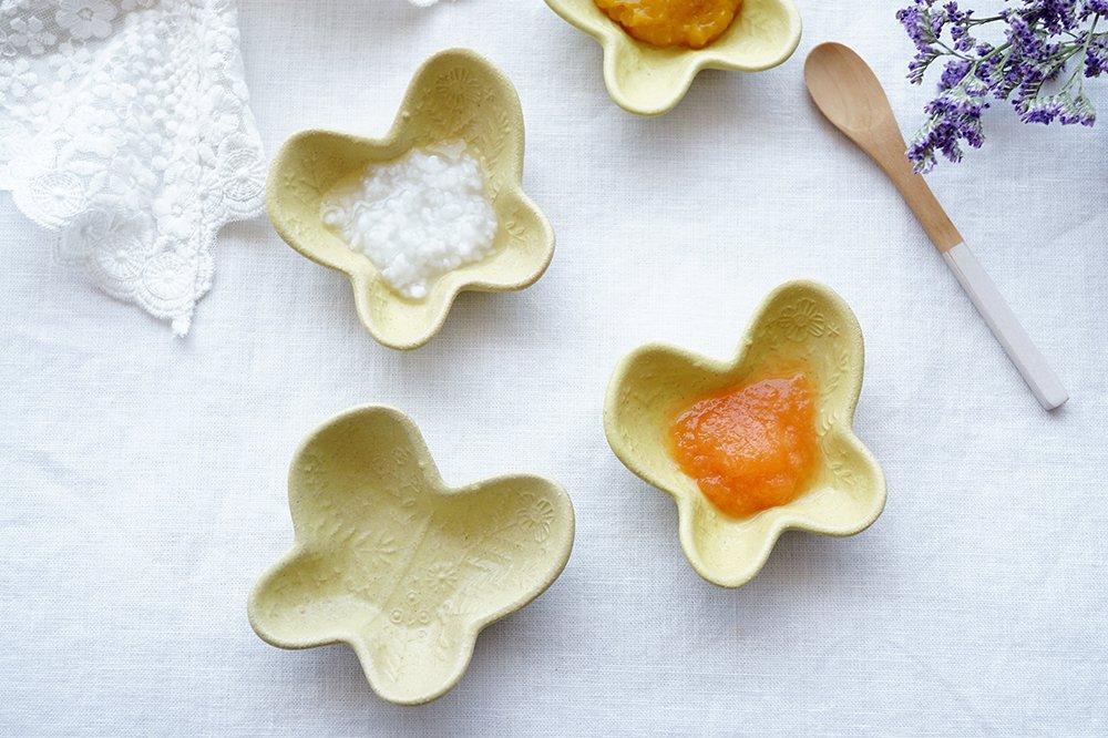 刺繍模様の蝶々豆皿