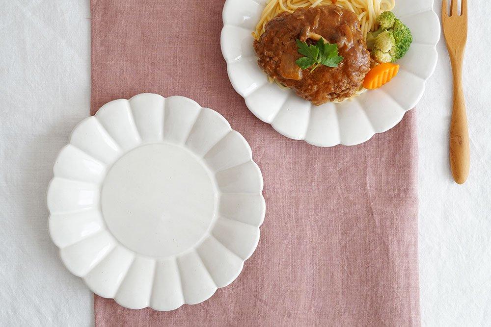 白いマーガレット皿 細 6寸