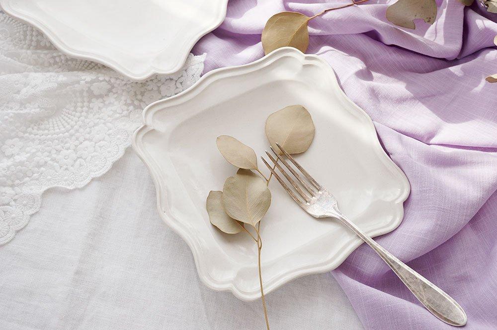 白い正方西洋皿