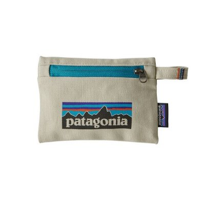 <img class='new_mark_img1' src='https://img.shop-pro.jp/img/new/icons14.gif' style='border:none;display:inline;margin:0px;padding:0px;width:auto;' />*patagonia* Small Zippered Pouch