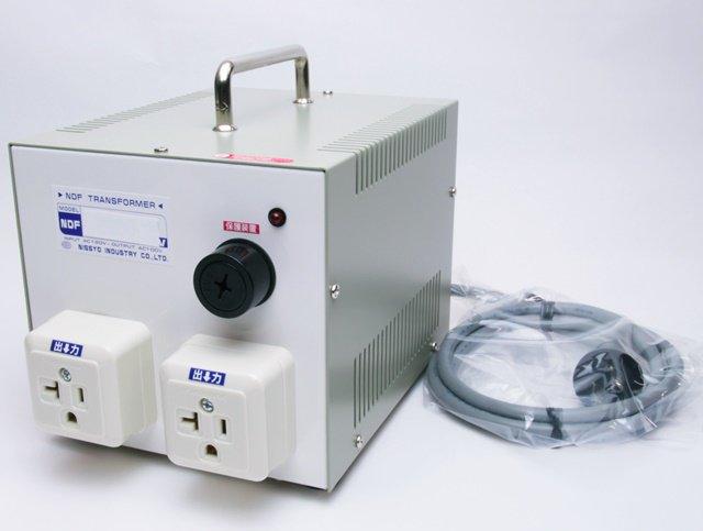 【変圧器】【海外用】 日章工業 ダウントランス 定格容量2000W 変換電圧110V/120V/127V→100V NDF-2000U