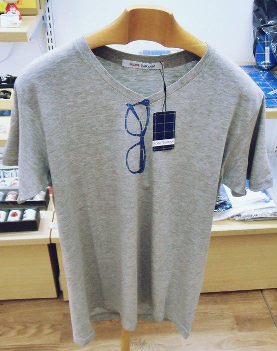 神戸タータン メガネデザインTシャツ グレー Lサイズ Vネック半袖Tシャツ