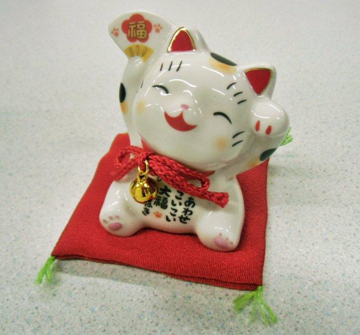 【お土産品】 置物 彩絵大福招き猫