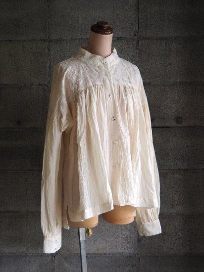 Sa-Rah/スタンドネックギャザーブラウス【長袖】刺繍コットンエクリュ