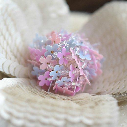 【糸通しスパンコール】5mm花 ミストピンク
