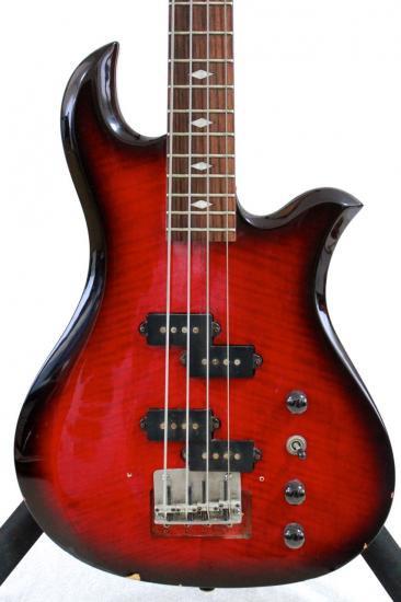 13A089 B.C.Rich Eagle Bass 680JE 赤