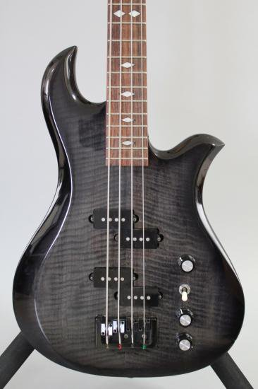 13G027  B.C.Rich Eagle Bass 680JE 黒
