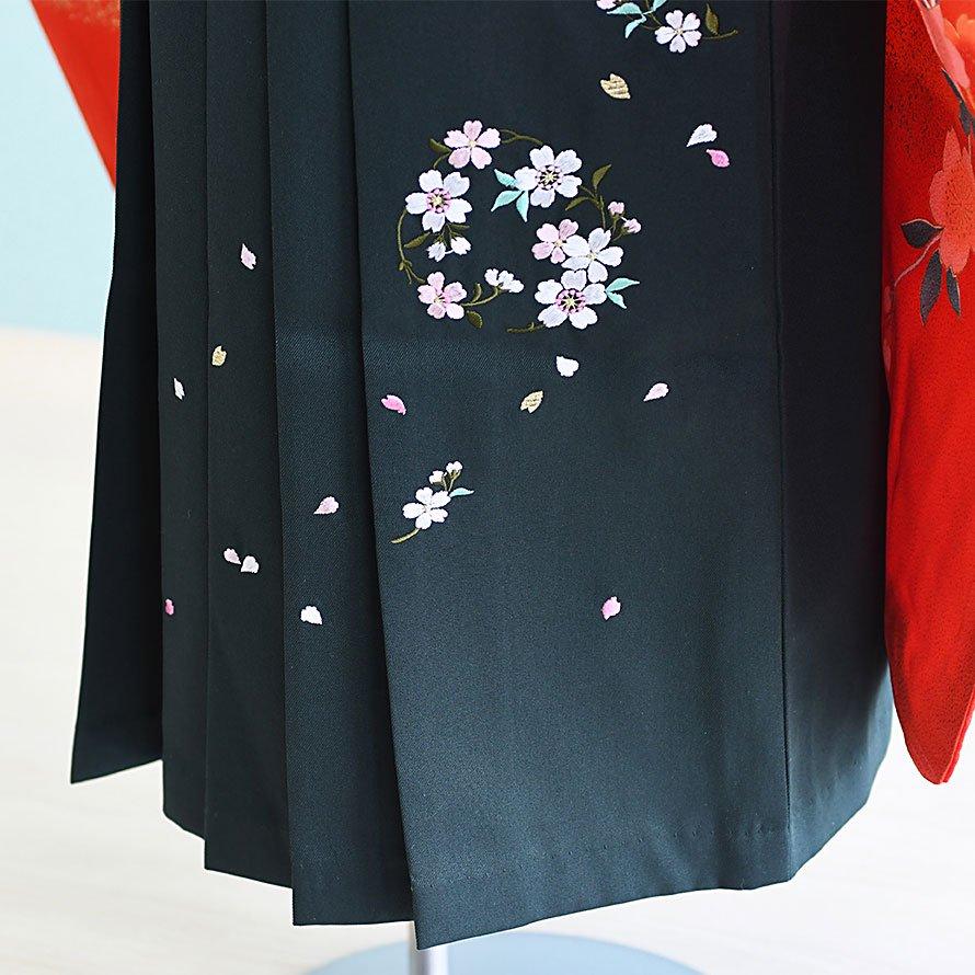 6〜7歳女児袴レンタルセット(7-26-ha_g3)赤/つづみ・まり|緑/刺繍・桜