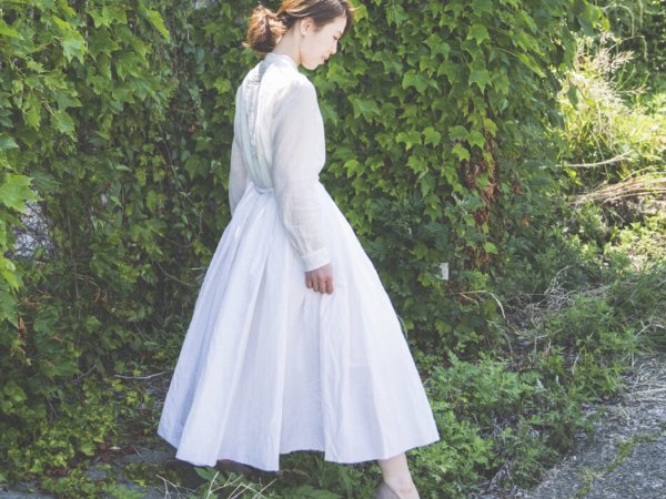 humoresque random tuck skirt/white