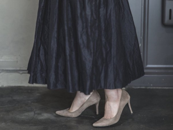 humoresque random tuck skirt/black