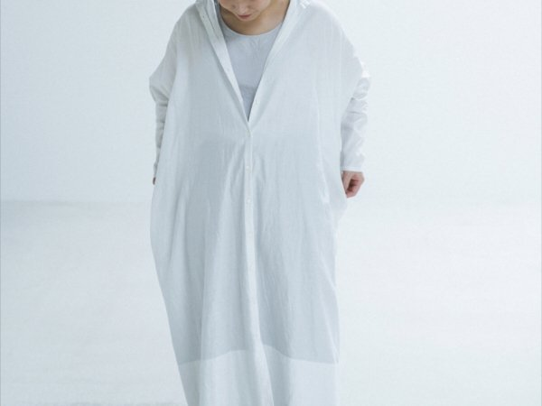humoresque stand collar dress/smoke white