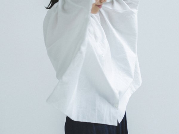 humoresque stand collar blouse/smoke white
