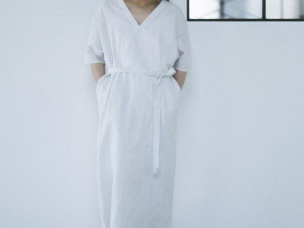 humoresque v-neck dress white