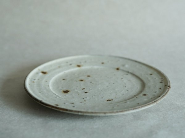 中西 申幸 7寸リム皿(リム広) 白
