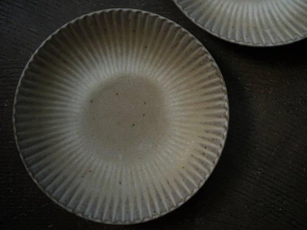 宅間 祐子 丸菊6.5寸皿 グレー