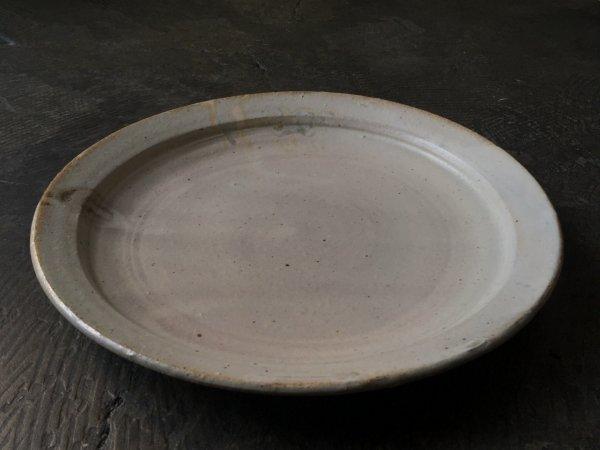 遠藤 素子 8寸リム皿 灰粉引