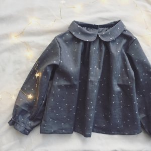 Star print Round collar blouse