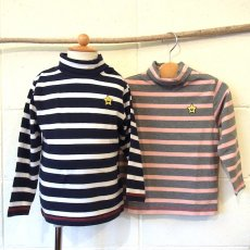 <img class='new_mark_img1' src='//img.shop-pro.jp/img/new/icons24.gif' style='border:none;display:inline;margin:0px;padding:0px;width:auto;' />BASIC STRIPED TURTLENECK L/S TEE