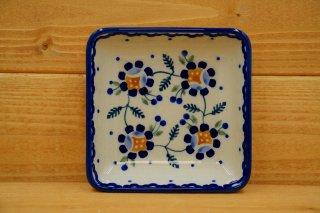 ポーランド食器(ポーリッシュポタリー)角皿 小 『マニュの青いバラ』
