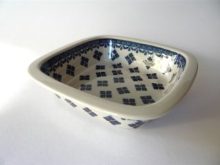 ポーランド食器(ポーリッシュポタリー)オーブン皿・角鉢 『アジサイが咲いた!』