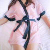 バラ柄刺繍を施したメッシュ素材のブラショーツにシンプルなバイカラーのガウンをセットにしたベビードール(BABYDOLL) ピンク