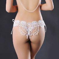 高級感のあるケミカルレースが華やかにヒップを飾る紐パンタイプのセクシーショーツ(T-BACK・SHORTS) ホワイト