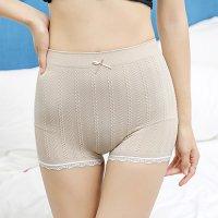 リブ編み風のチェーン柄がキュートで安心感のある履き心地のシンプルなボーイレッグのショーツ(T-BACK・SHORTS) ベージュ