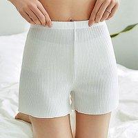 肌触りソフトなリブ編みが肌に馴染むオールマイティなシンプルショートパンツ(PANTS) ホワイト