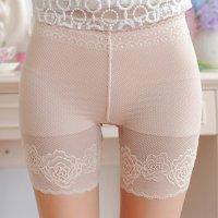 裾のバラ模様が素肌に映えるスパッツタイプのショートパンツ(PANTS) ベージュ
