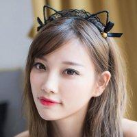 小振りなリボンと鈴を可愛らしく両耳にあしらった猫耳メイド風のカチューシャ(KATYUSHA)