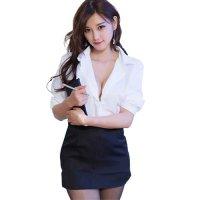 【歳末SALE☆全品15%OFF】シンプルな白シャツに黒のタイトミニスカートというザ・王道スタイルの女教師風コスプレ(COSPLAY)