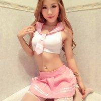 トップスを短くしたへそ出しセーラー服セクシーコスプレ(SEXYCOSPLAY) ピンク