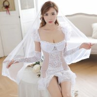 【歳末SALE☆全品15%OFF】後ろ裾が長くなったフィッシュテールスカートがエレガントな印象を与える花嫁風コスプレ(COSPLAY)