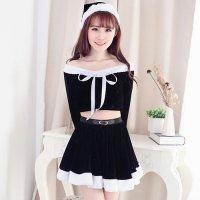 ショート丈トップスと全円のフレアスカートが可愛らしいサンタガール風コスプレ(COSPLAY) ブラック×ホワイト
