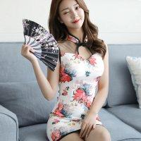 鮮やかな花柄が美しく素肌の上に着用できるパッド入りのチャイナドレス風セクシードレス(SEXYDRESS) ホワイト
