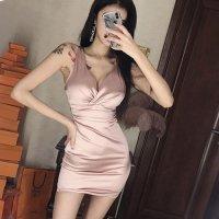高級感のあるマットサテンとシックなダスティカラーで流行をおさえたドレス(SEXYDRESS)