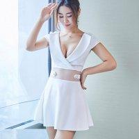 大きな襟の開きが上品さの中に甘い色気を放つフレアドレス(SEXYDRESS) ホワイト