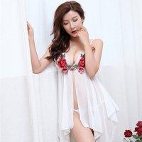 エレガントな薔薇の刺繍とフロントホックで大人の色気が溢れるベビードール(BABYDOLL) ホワイト