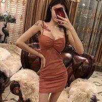 シックな色合いで上品に決めるトレンドカラーを楽しむドレス(SEXYDRESS)